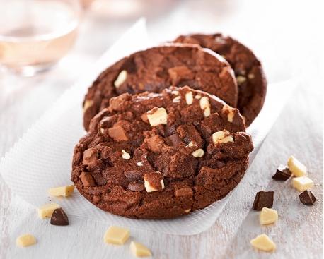 Cookie cuit : triple chocolat